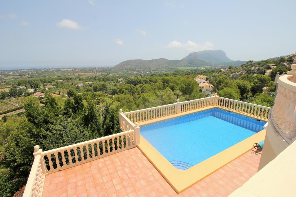 Villa con espectaculares vistas al mar en La Sella Golf Resort