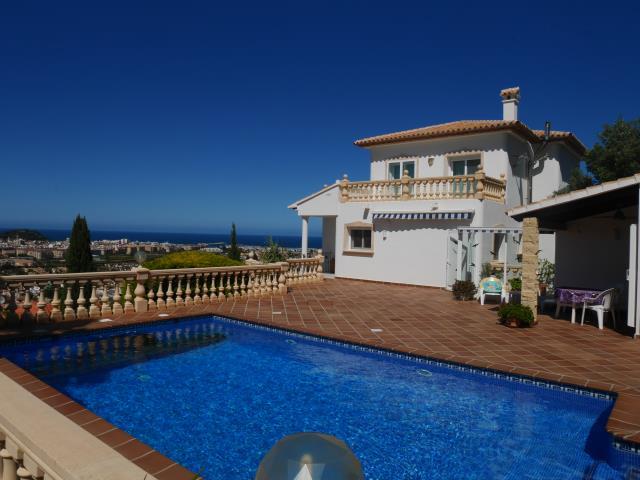Villa en Denia con espectaculares vistas.
