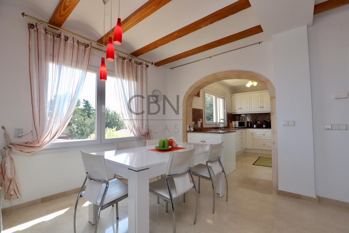 Villa con espectaculares vistas al mar en Dénia