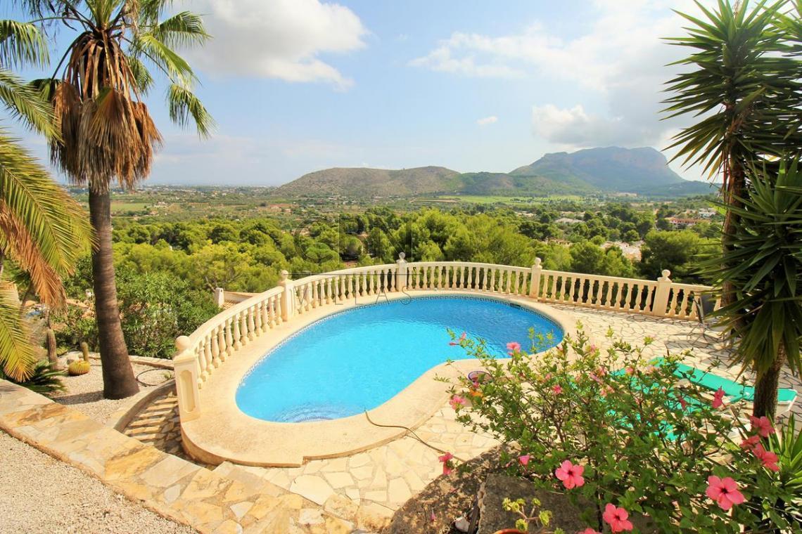 Villa en venta con vistas al mar, La Sella Golf