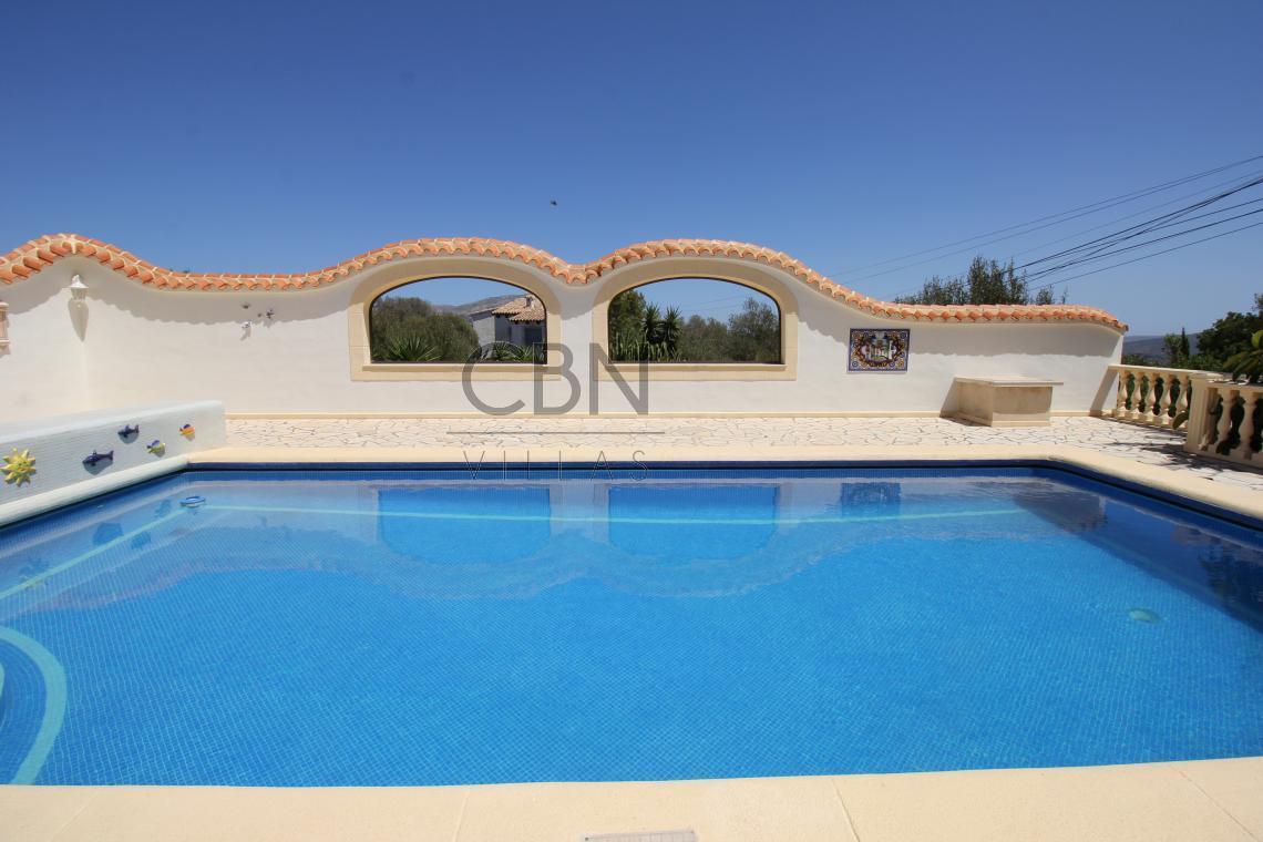 Espectacular Villa con vistas al mar en Pedreguer