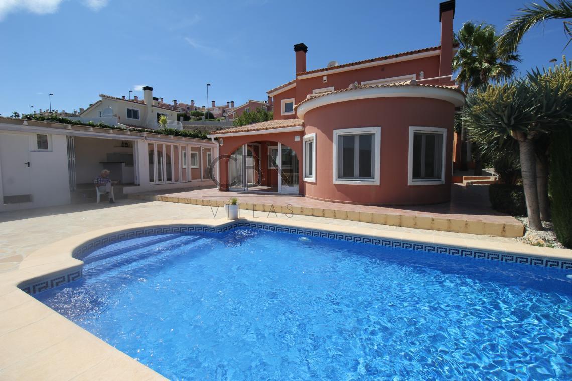 Villa en venta en Gata de Gorgos