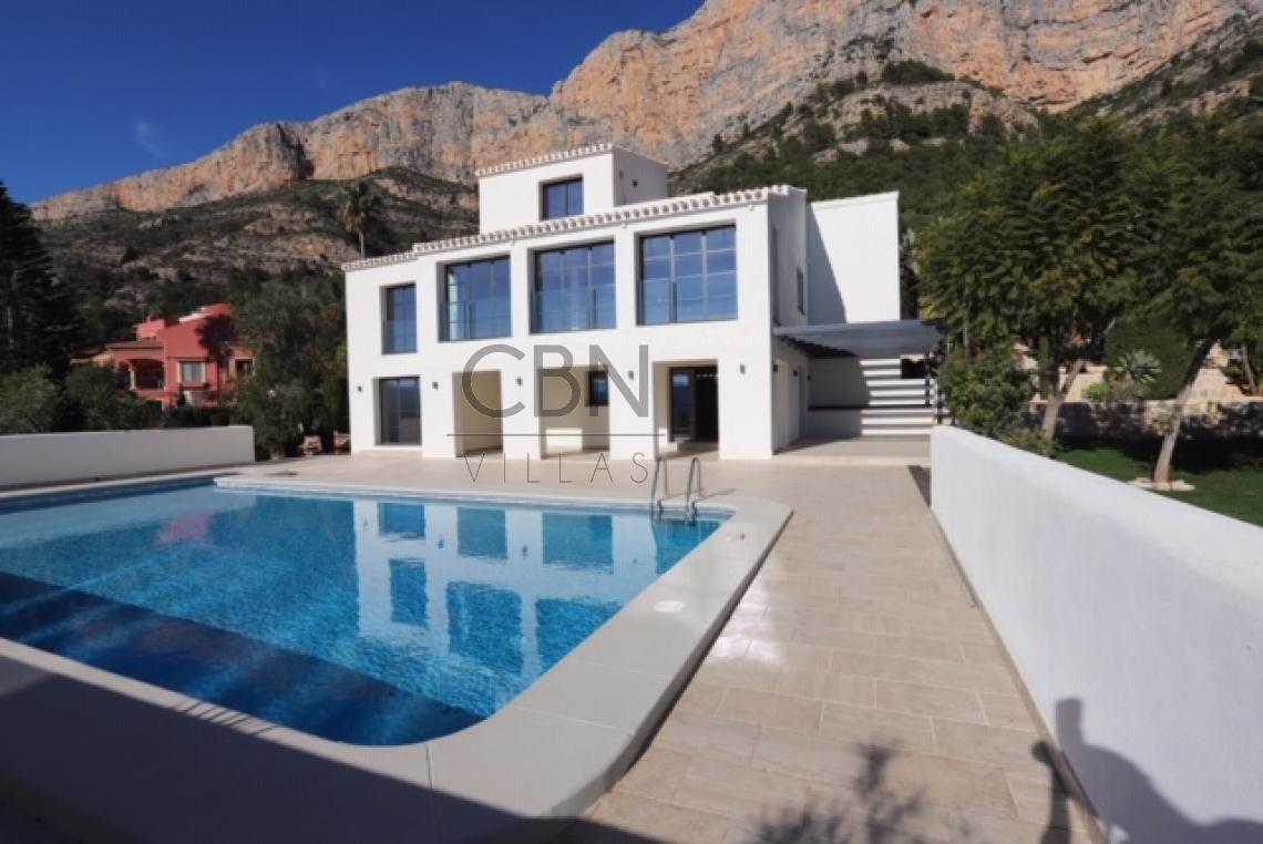 Villa de estilo de contemporáneo en Javea