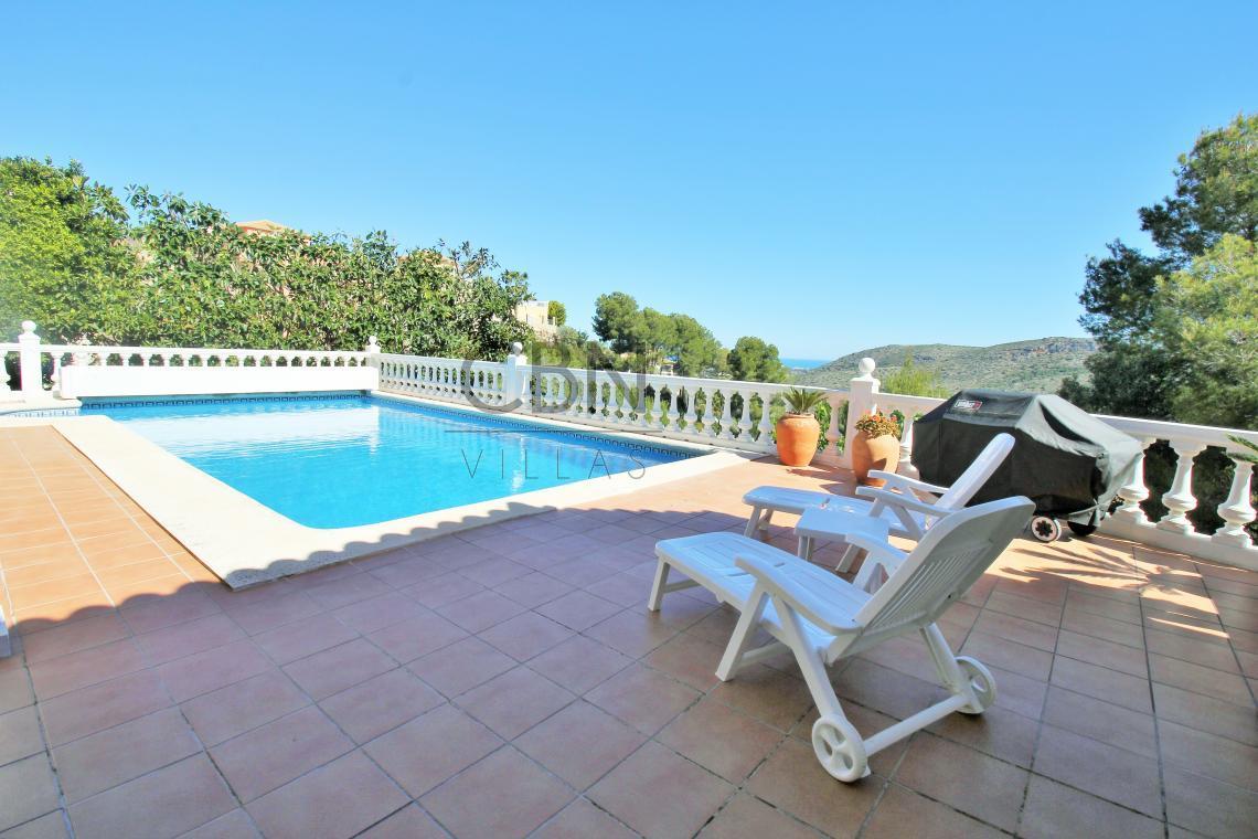 Hermosa villa de 4 dormitorios ubicada en La Sella Golf Resort, Dénia