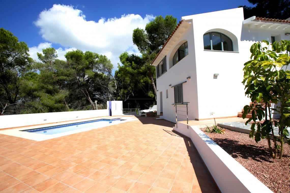Bonita casa totalmente reformada en Moraira