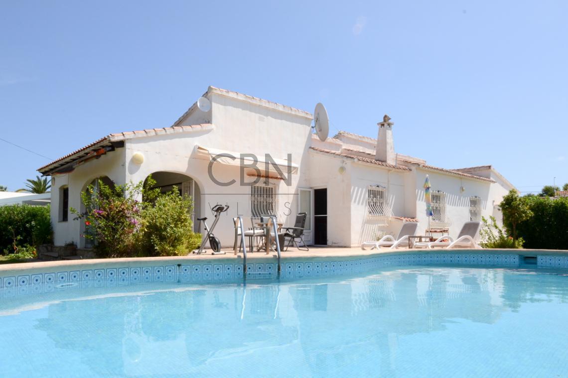 Villa en venta en la playa de Dénia
