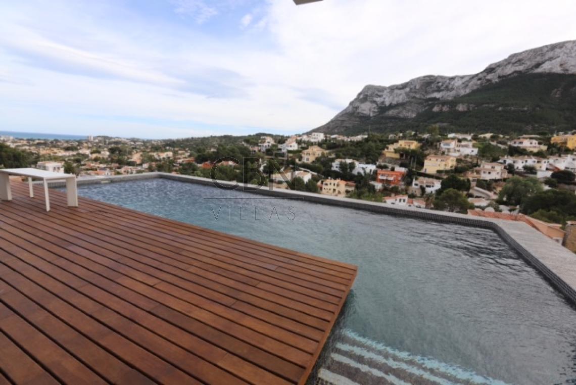 Villa moderna con vistas al mar en venta Dénia