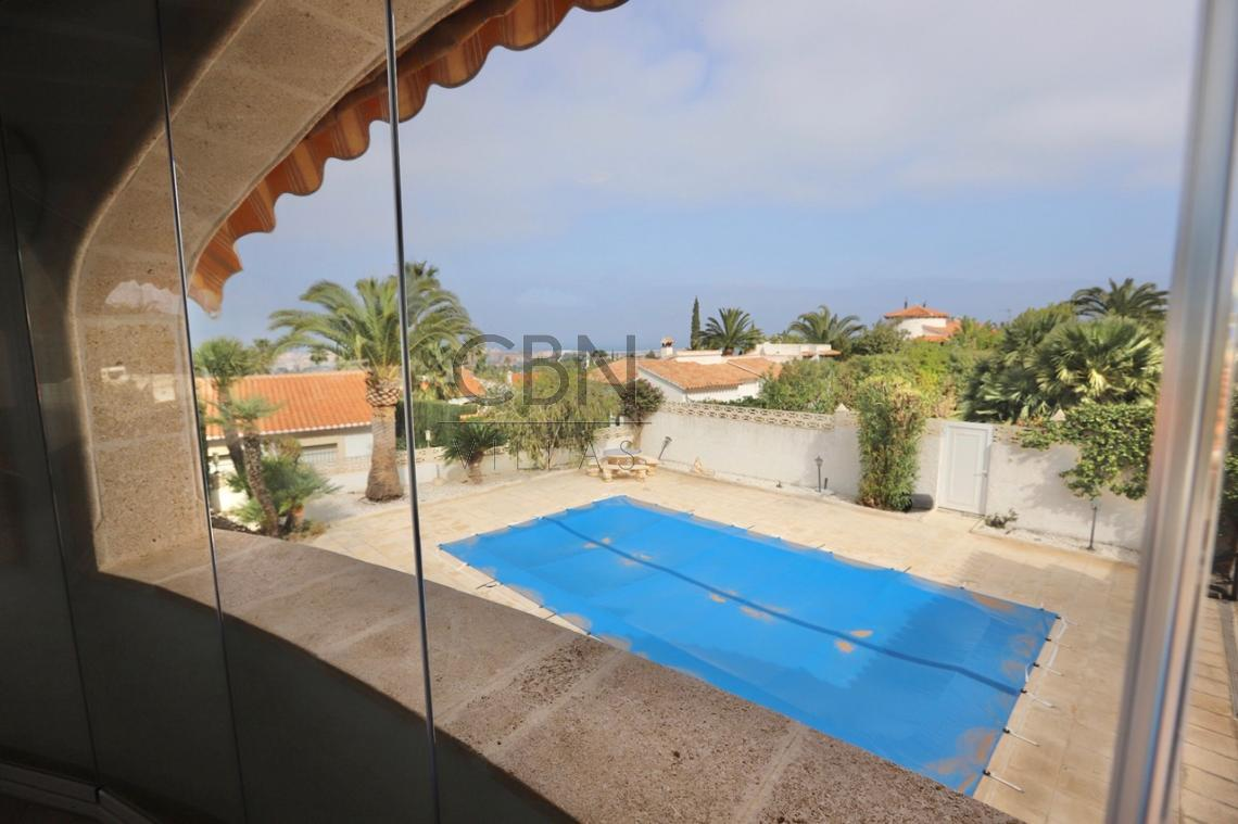 Villa en venta con espectaculares vistas al mar cerca del centro de Dénia