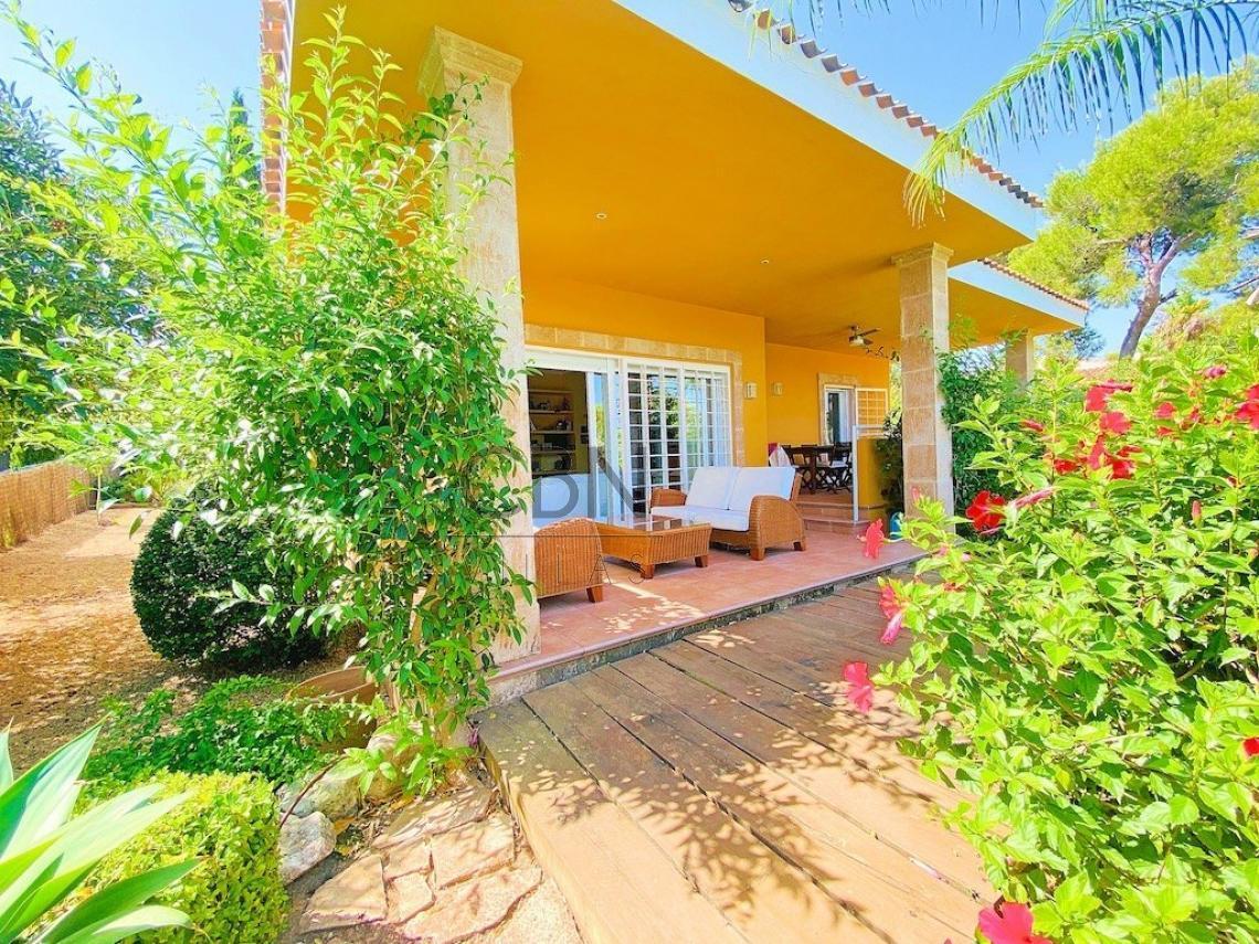 Villa en venta en Javea de vistas al mar en el Tosalet