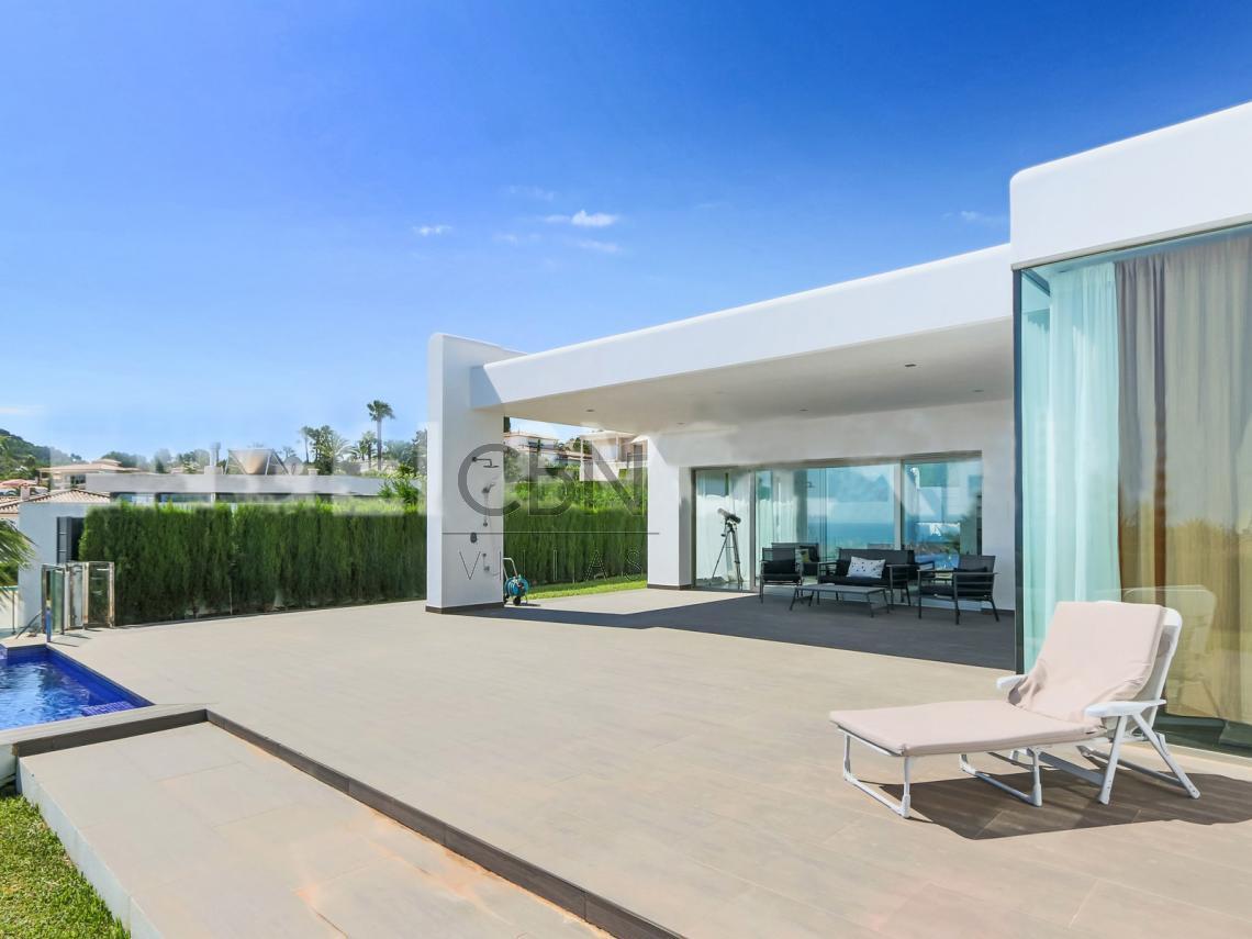 Espectacular villa moderna en Dénia
