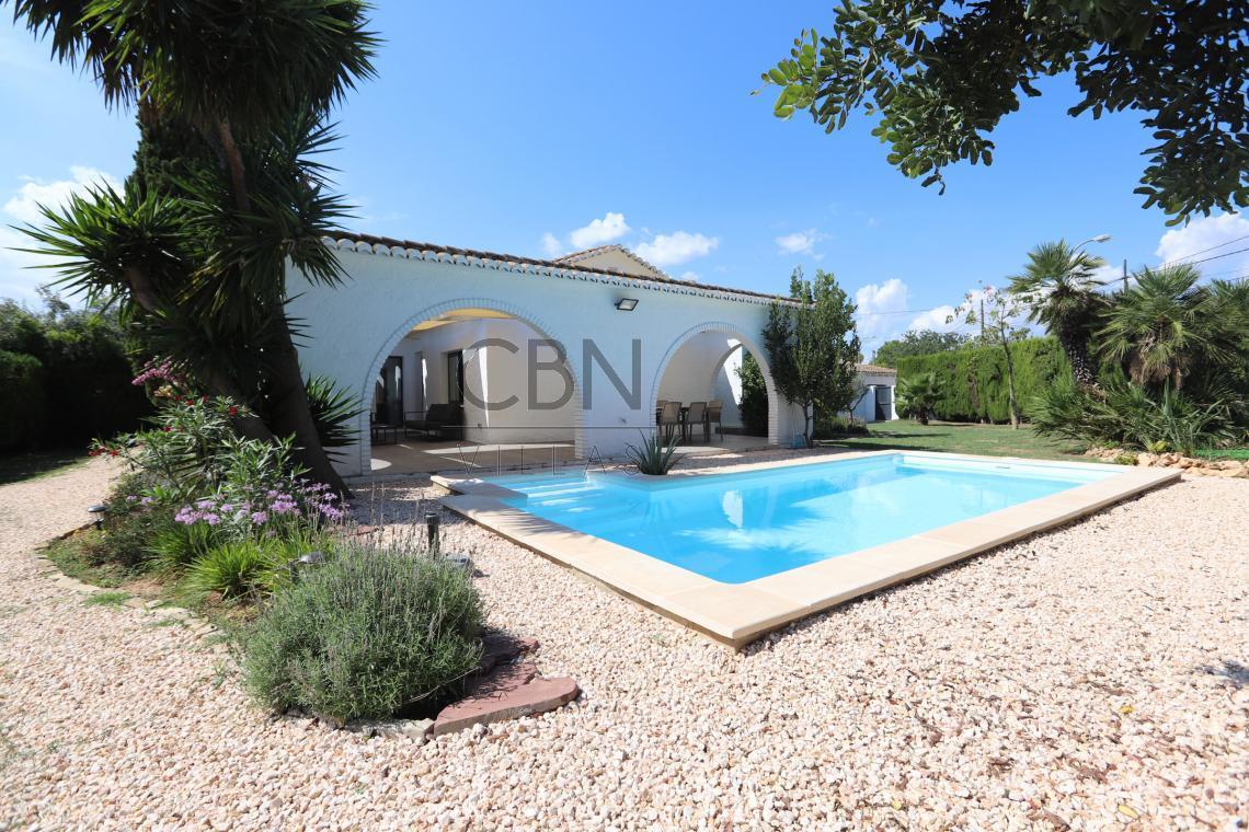 Villa en venta en La Eliana